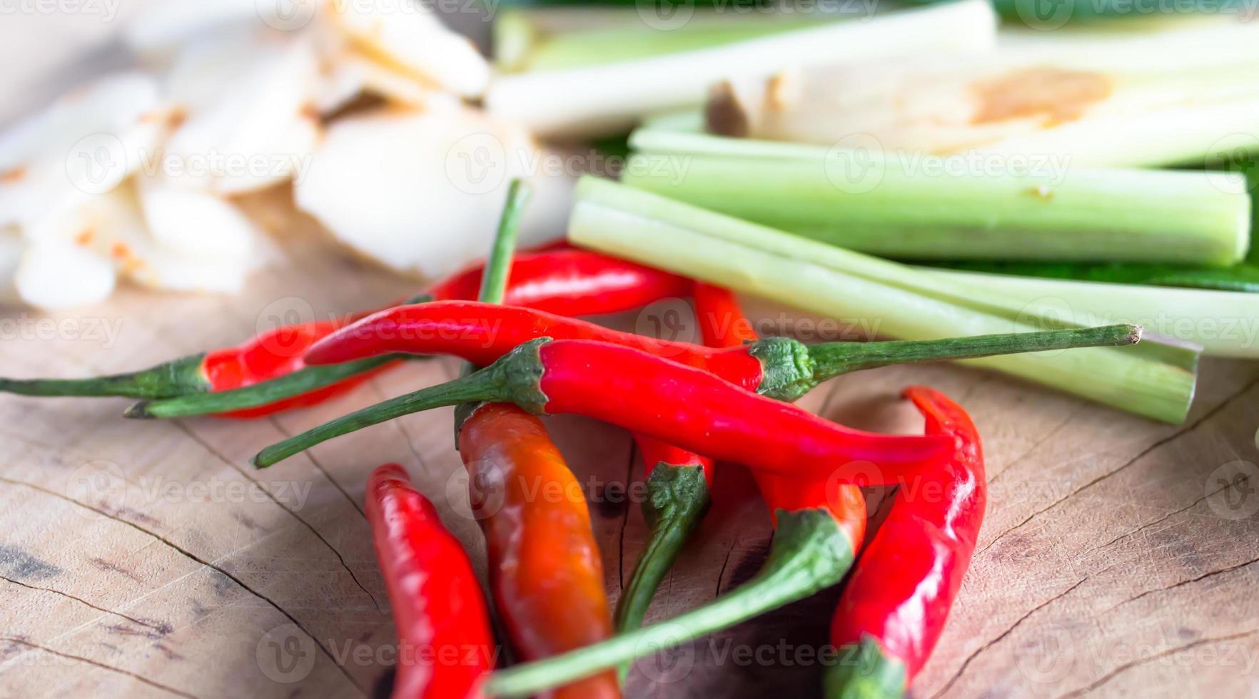 ingrédient pour la cuisine thaïlandaise photo