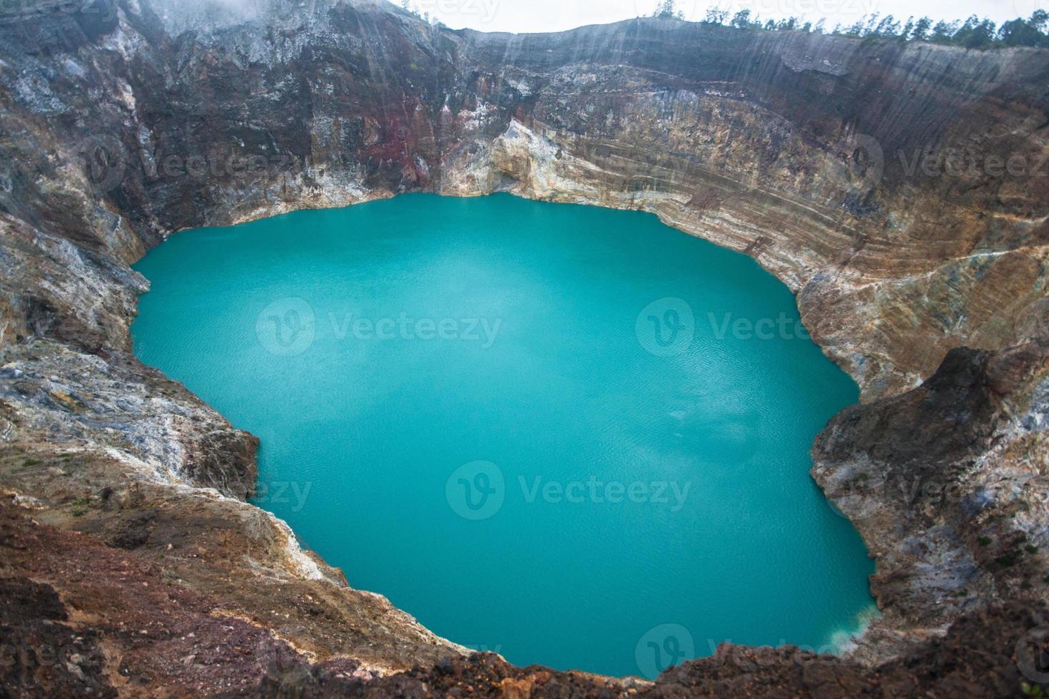 volcan kelimutu, indonésie photo