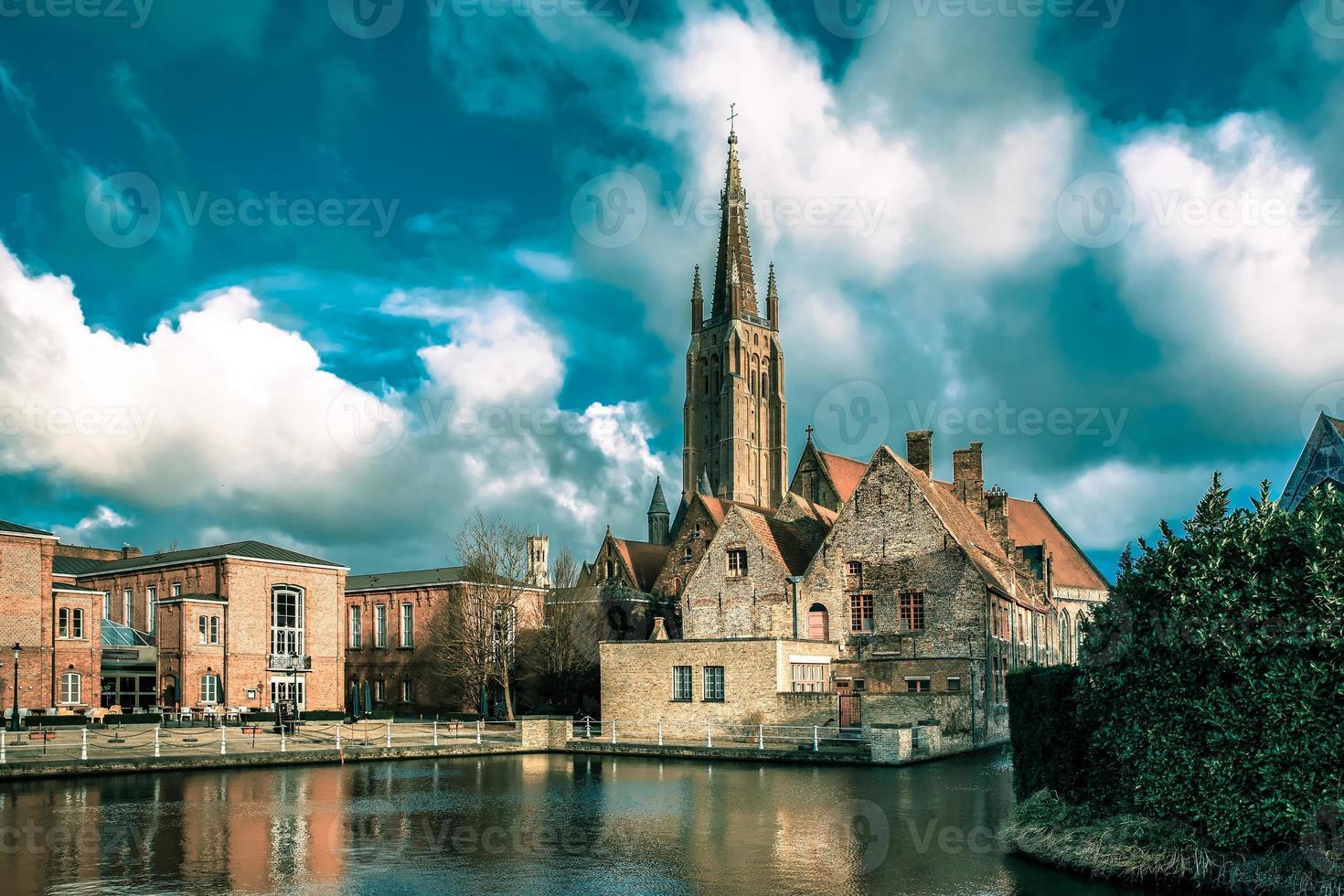 le paysage pittoresque de la ville de bruges, belgique photo