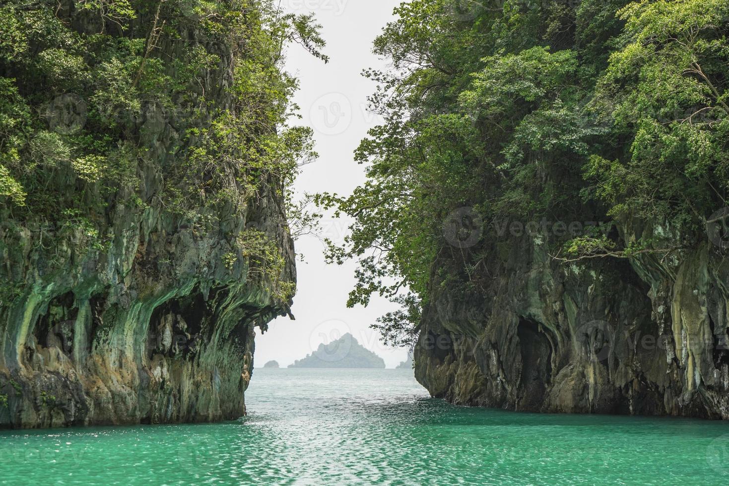 L'île de Hong à Krabi en Thaïlande photo