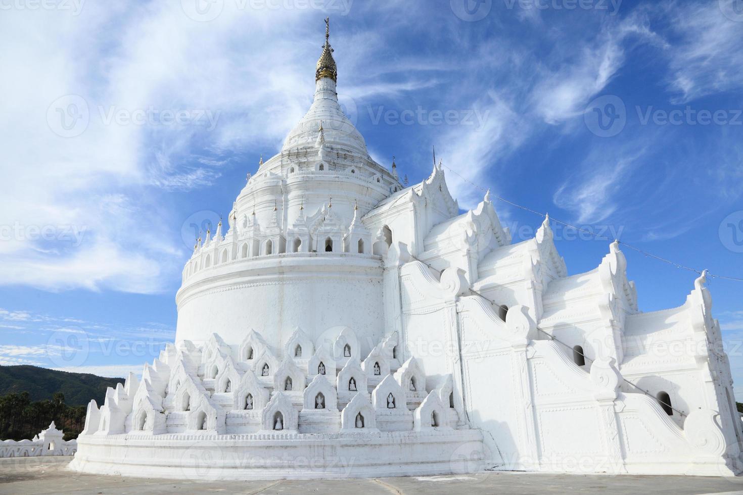 la pagode blanche mingun, mandalay - myanmar photo