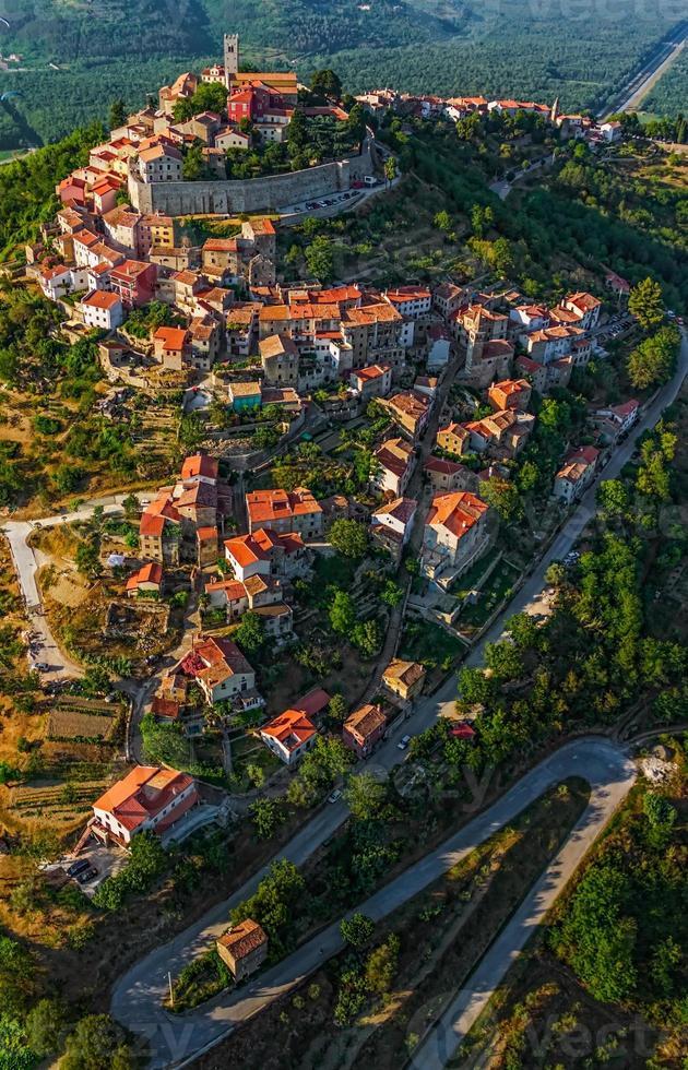 motovun - croatie photo