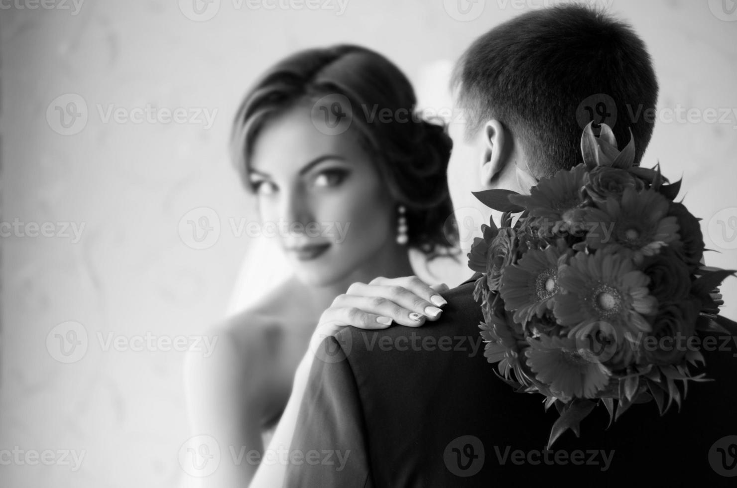 couple dans la chambre (monochrome) photo