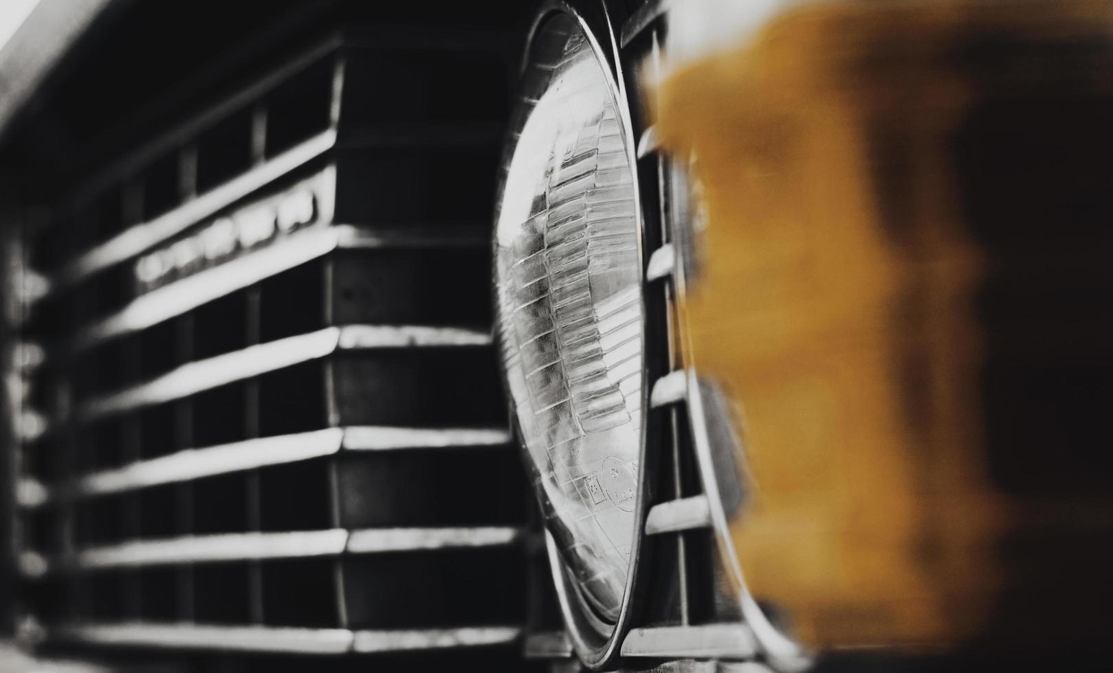 détails d'une voiture d'époque classique photo
