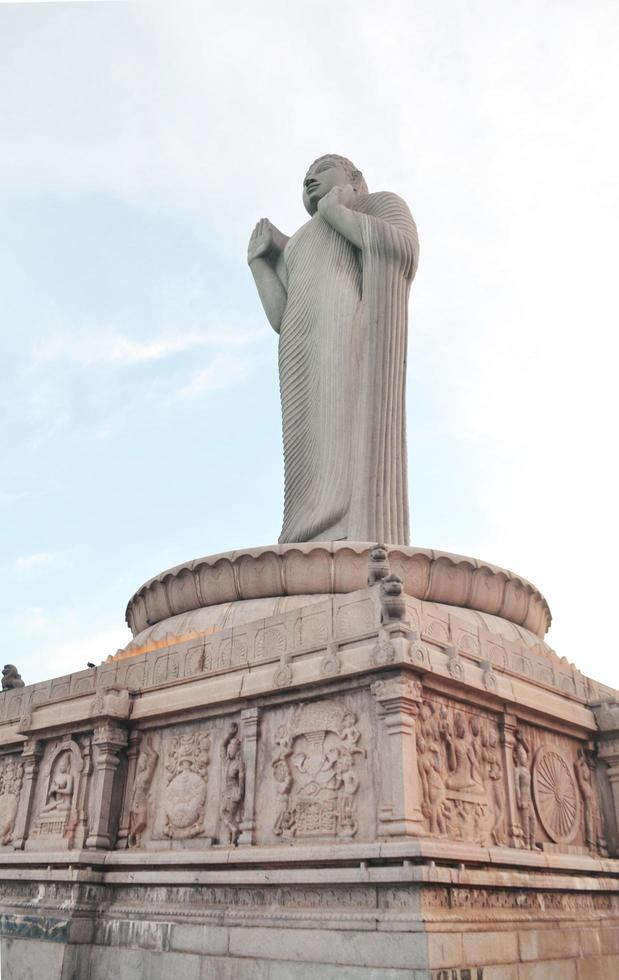 Statue de Bouddha, Hussain Sagar Lake, Hyderabad, Inde photo