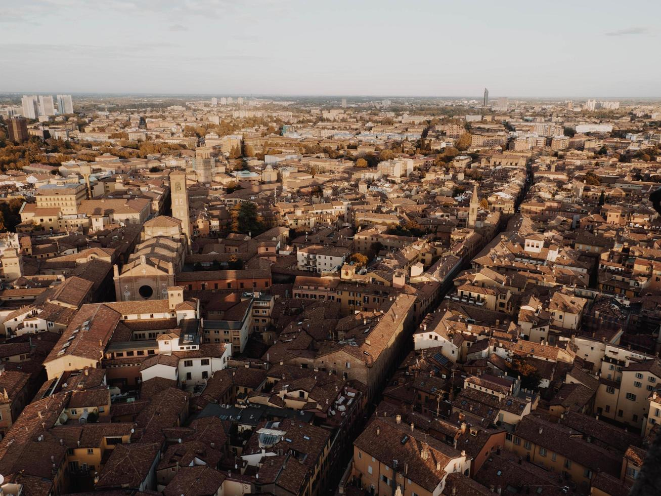 vue à vol d'oiseau de la ville italienne photo