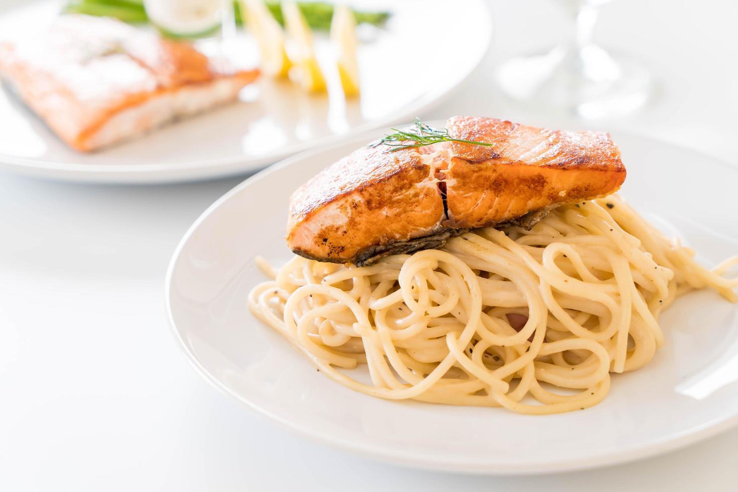 spaghetti au saumon photo