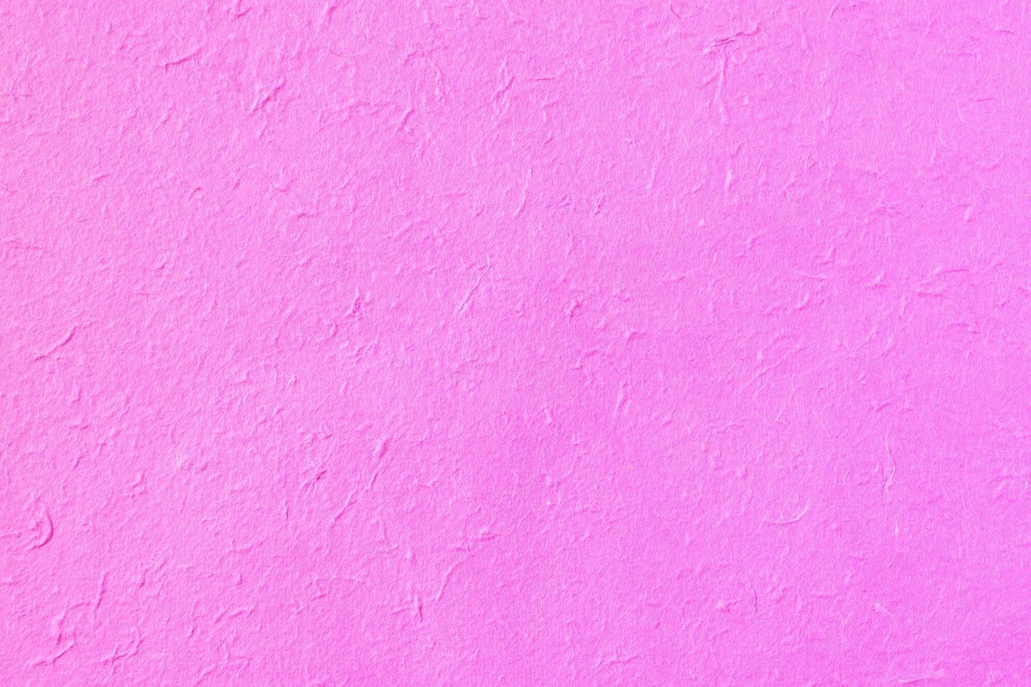 papier de mûrier rose à la main photo
