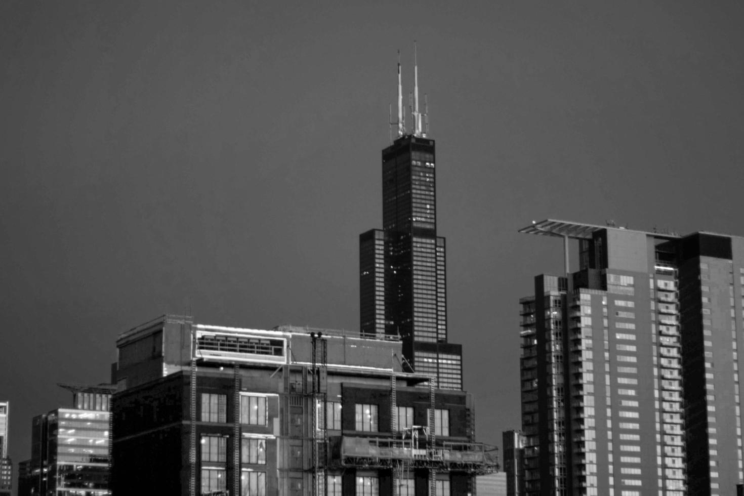 toits de la ville noir et blanc photo