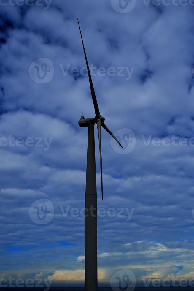 ligne de moulins à vent géants photo