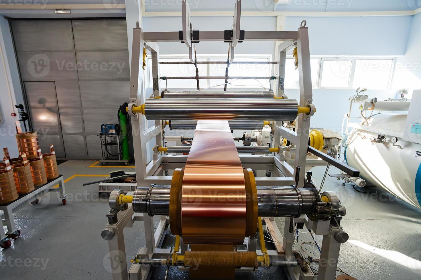 machine à cintrer de feuille de cuivre photo