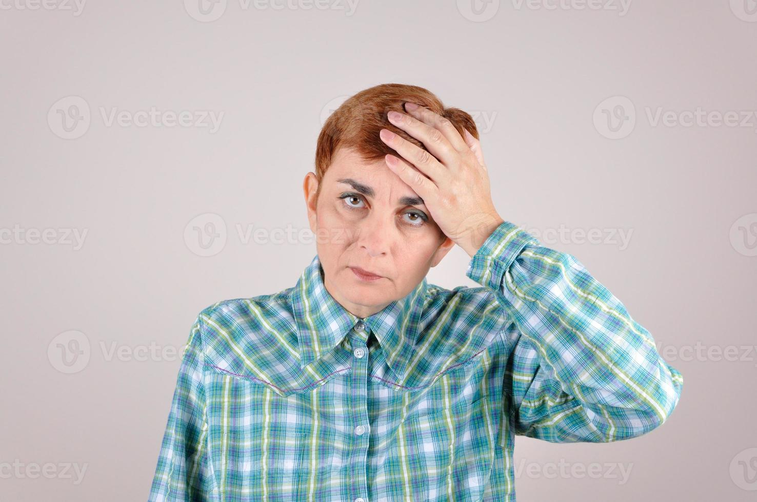 femme, giflant, main tête photo