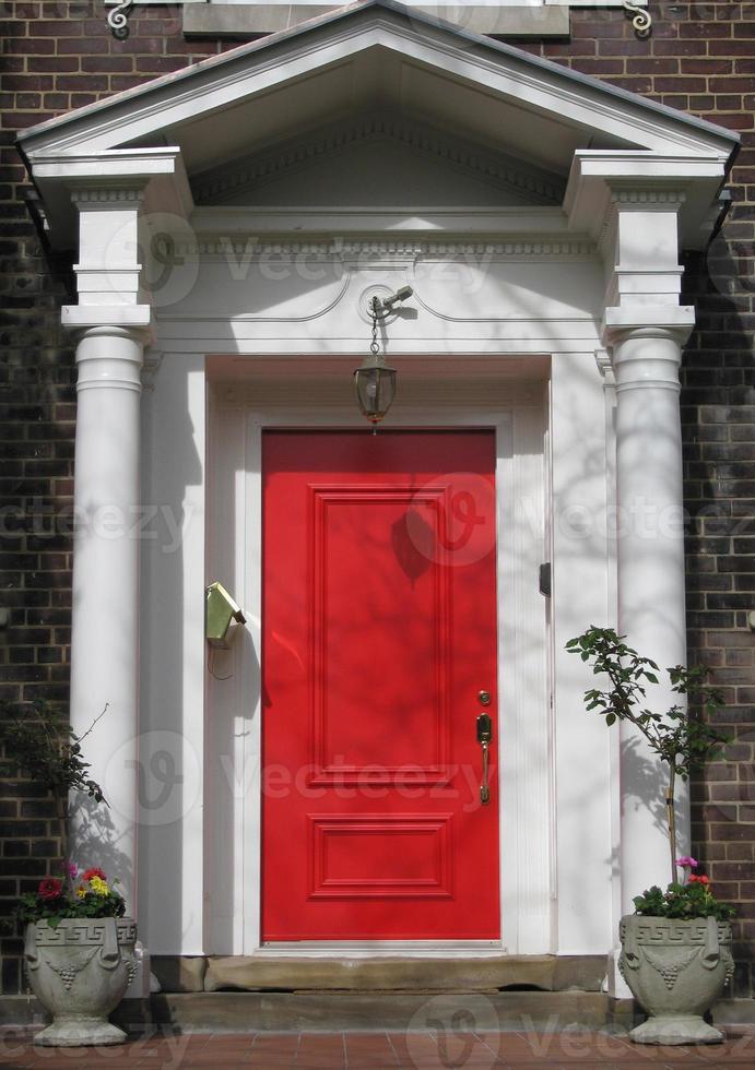 porte d'entrée rouge photo