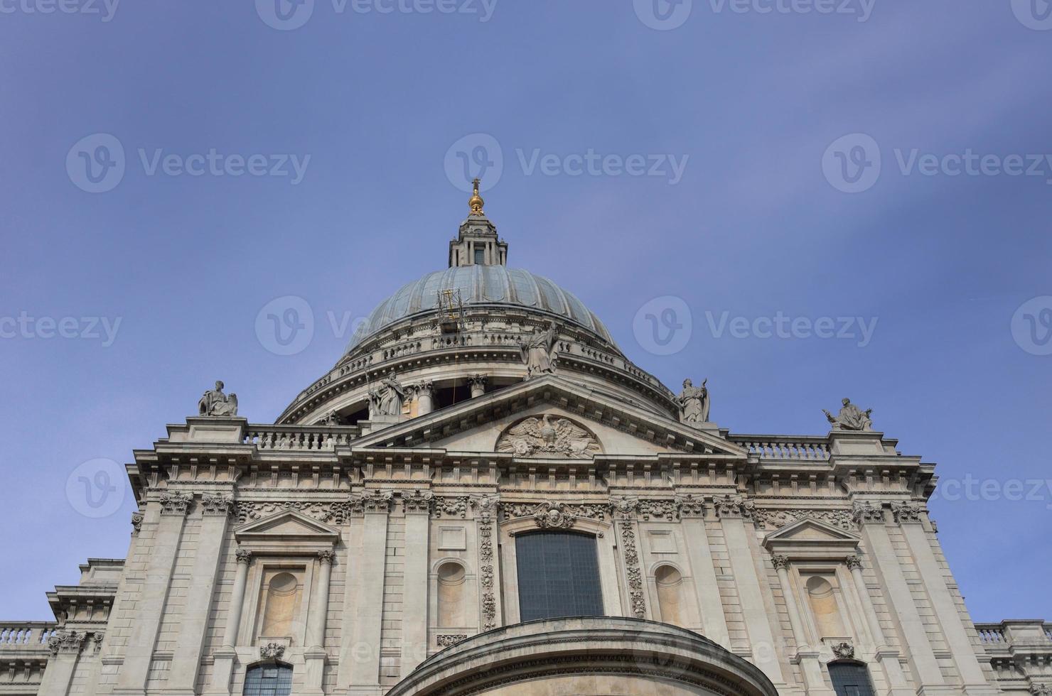 Façade de la cathédrale Saint-Paul photo