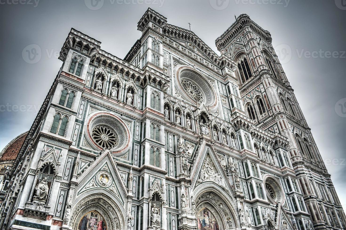Façade de Santa Maria del Fiore à Florence photo