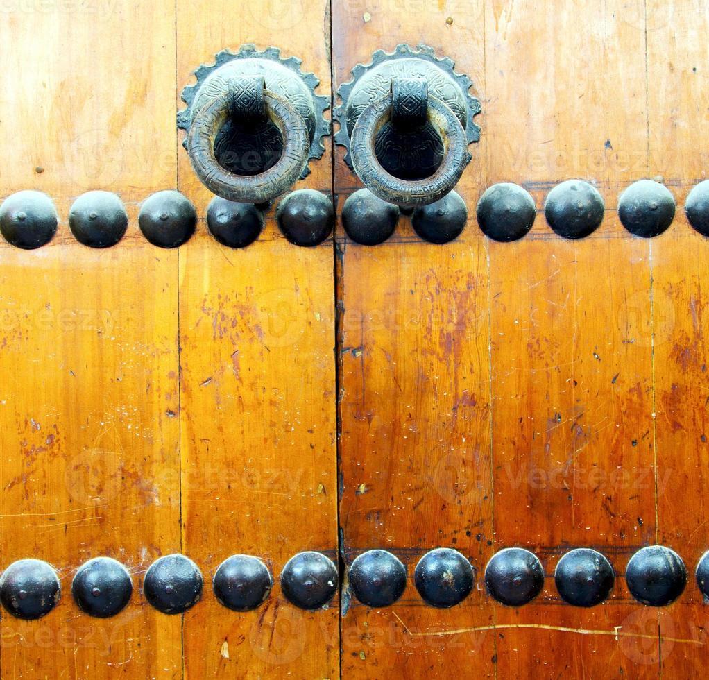 Maroc brun en Afrique l'ancienne façade en bois photo