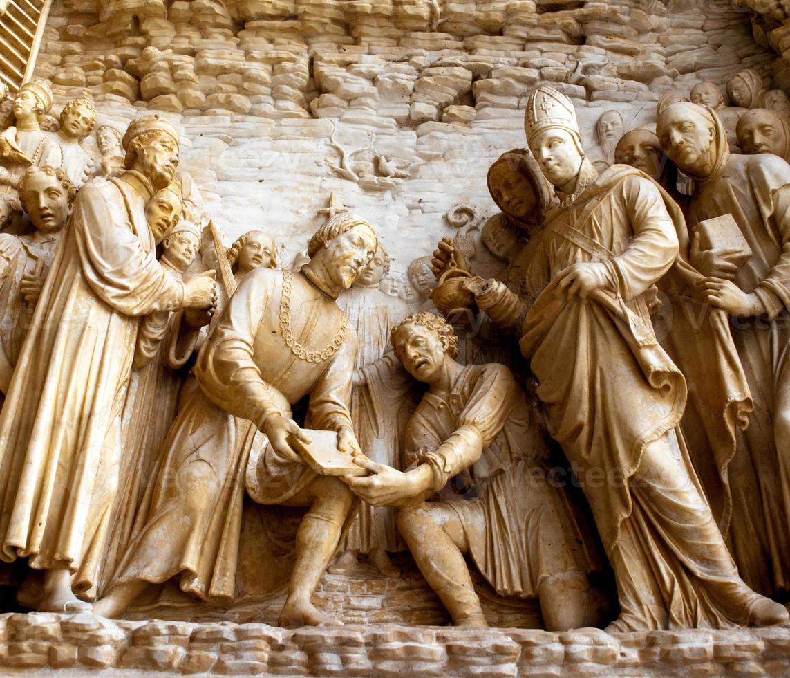 marbre relief biblique photo
