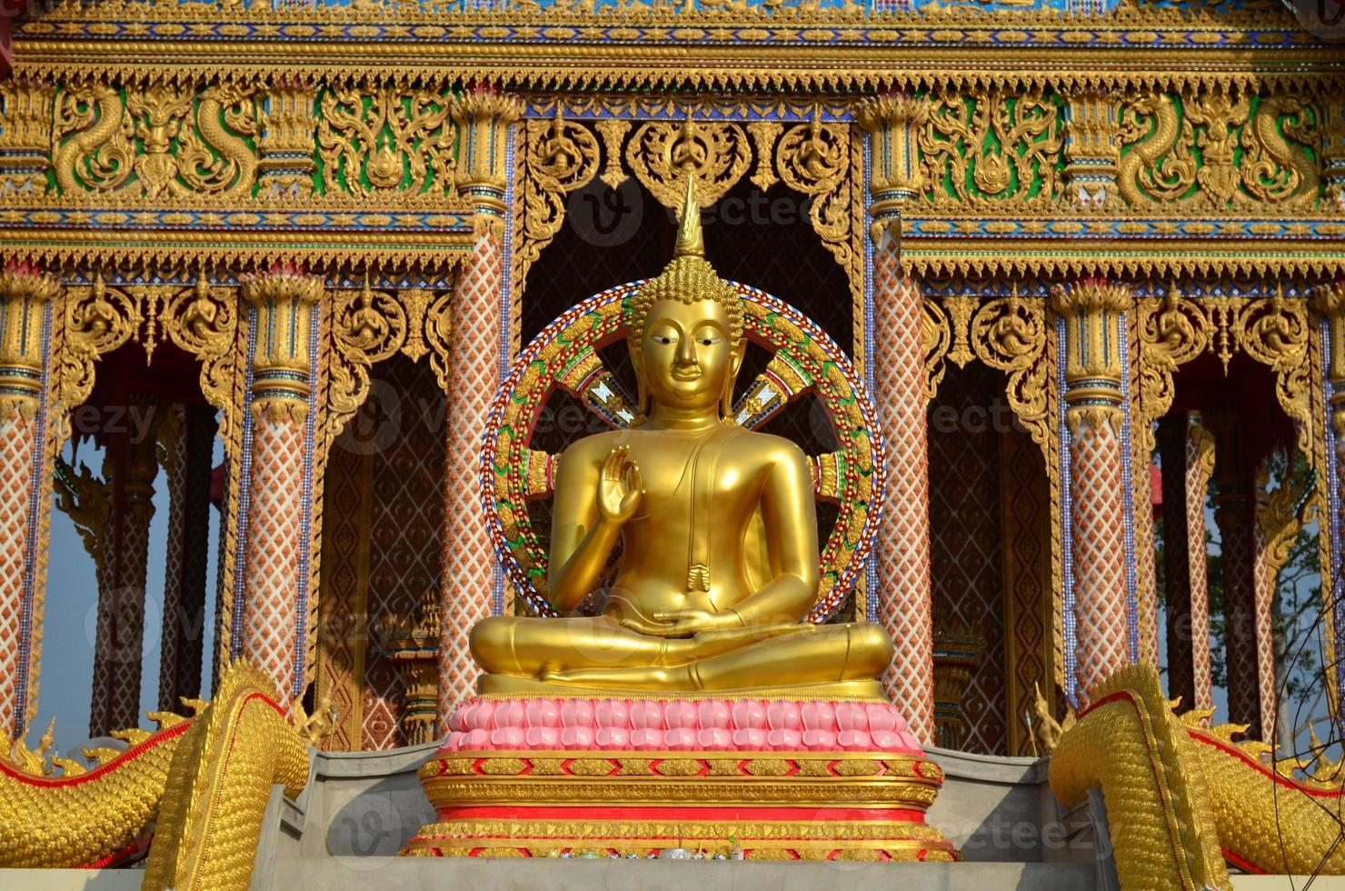 statue de Bouddha en or photo