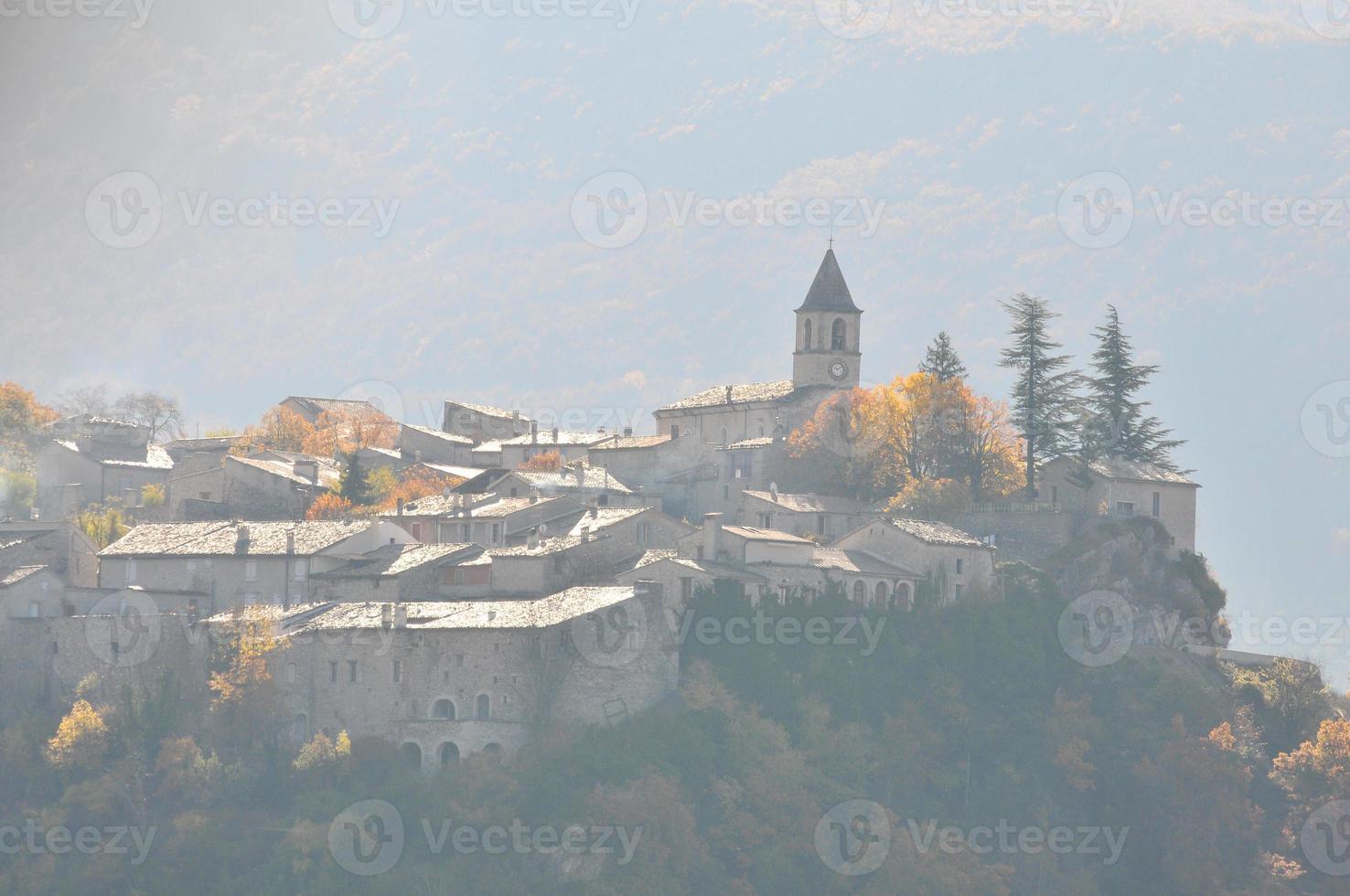 village perche de saint auban sur l'ouveze photo