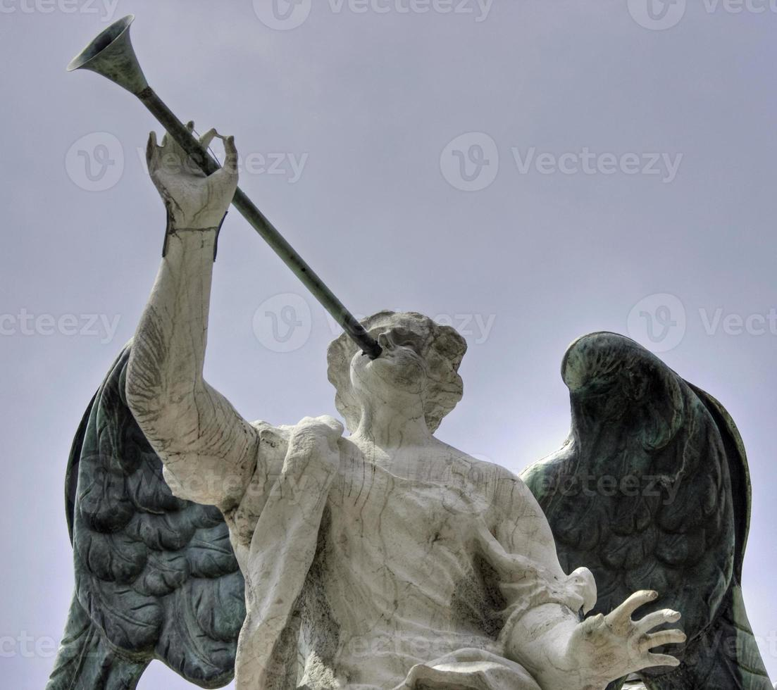 ange avec une trompette, venise photo