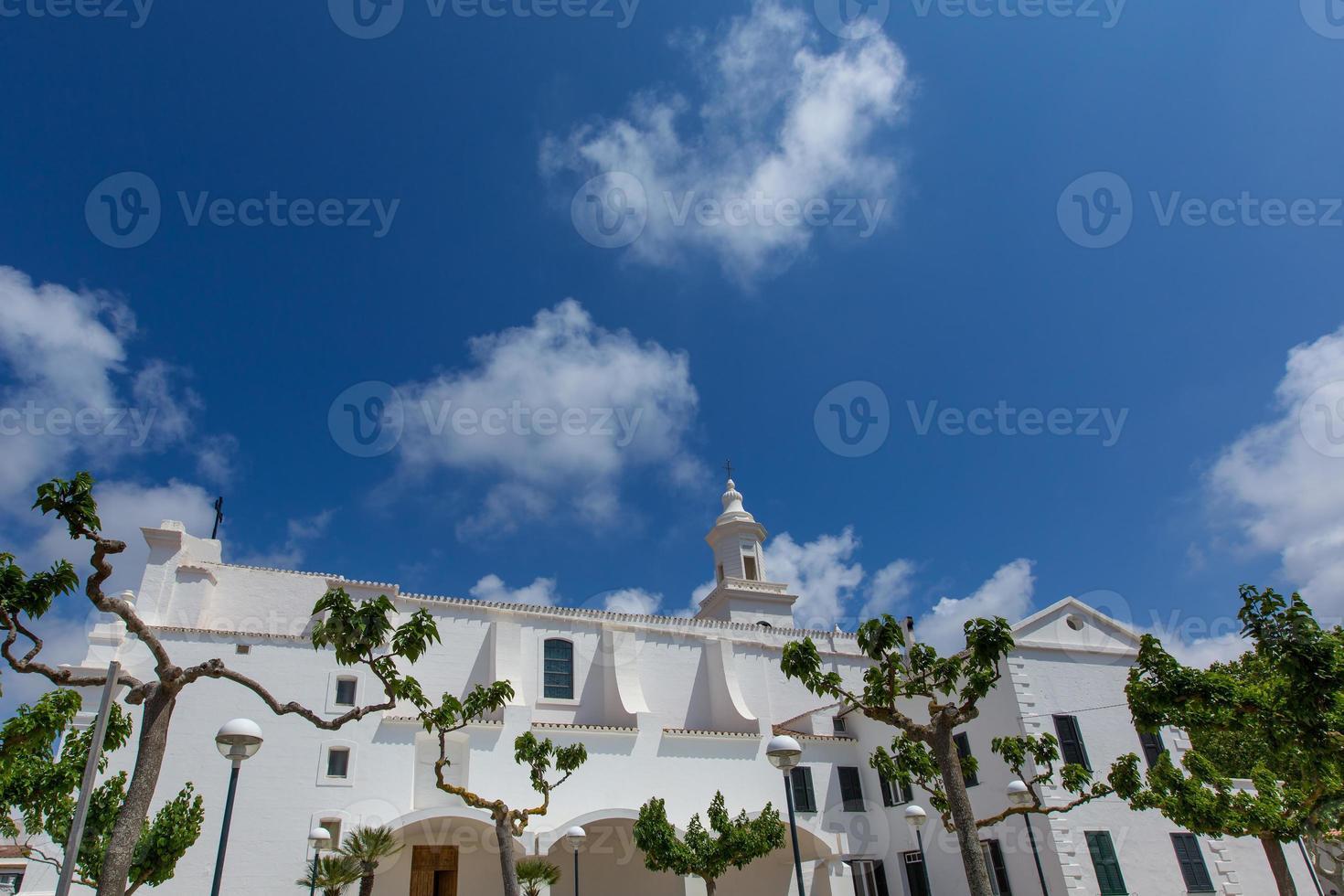 Minorque Sant Lluis église méditerranéenne blanche à Baléares photo