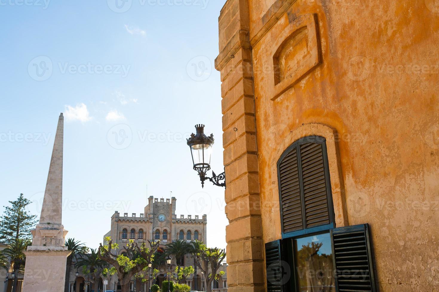 Ciutadella menorca placa des né dans le centre-ville de ciudadela photo