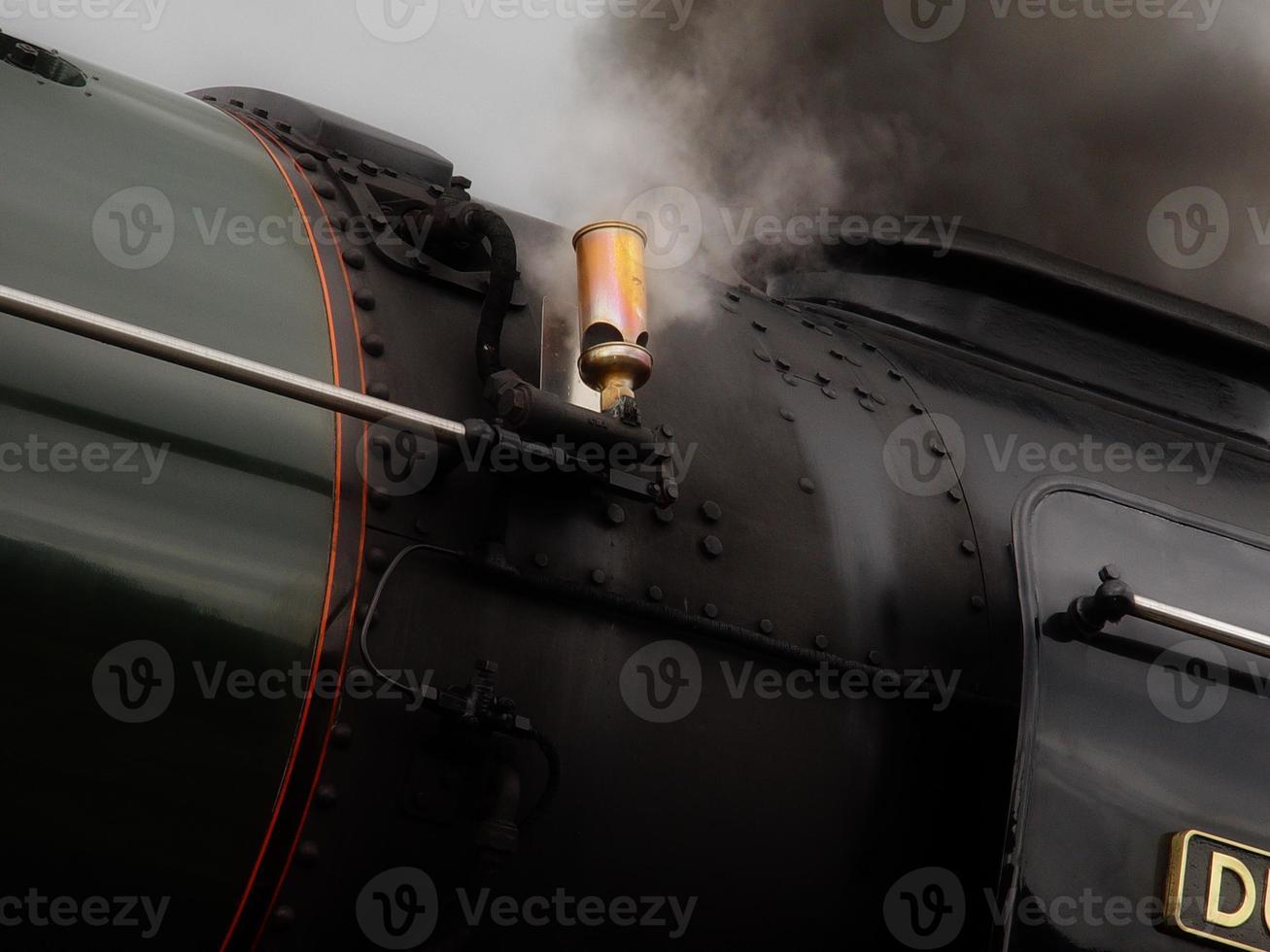 sifflet de train à vapeur photo