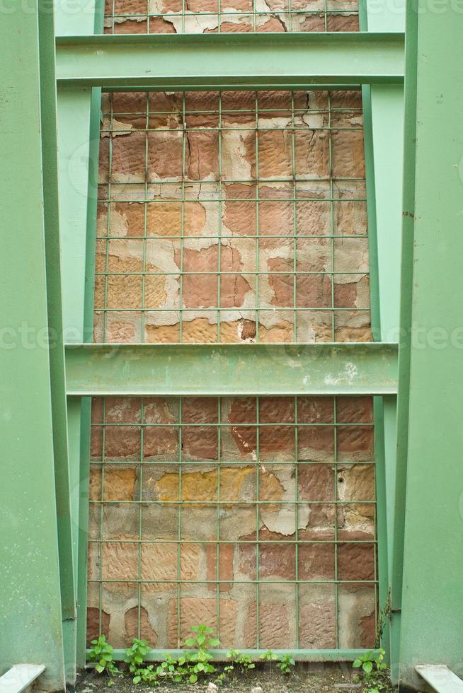 textura pared y vigas de hierro photo