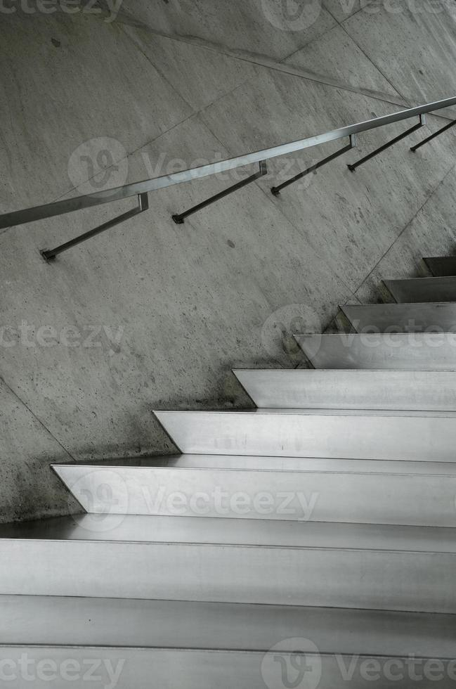 détail d'escalier métallique en aluminium photo