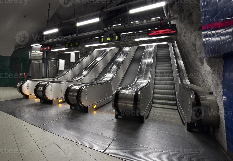 escalator dans le métro photo