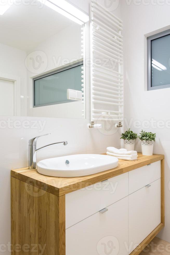 gros plan du lavabo photo