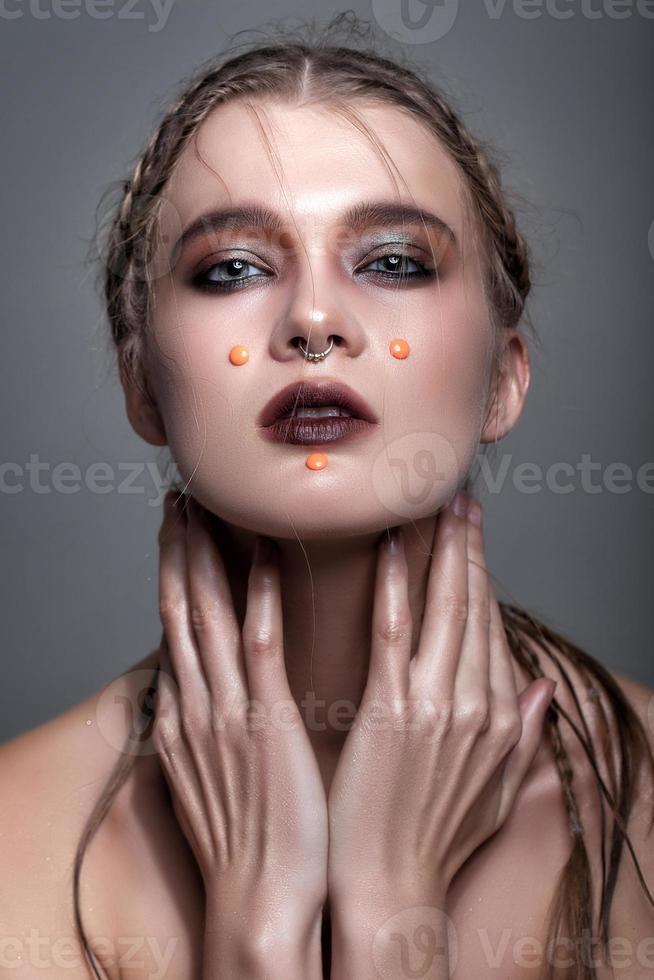portrait de la belle femme sensuelle photo
