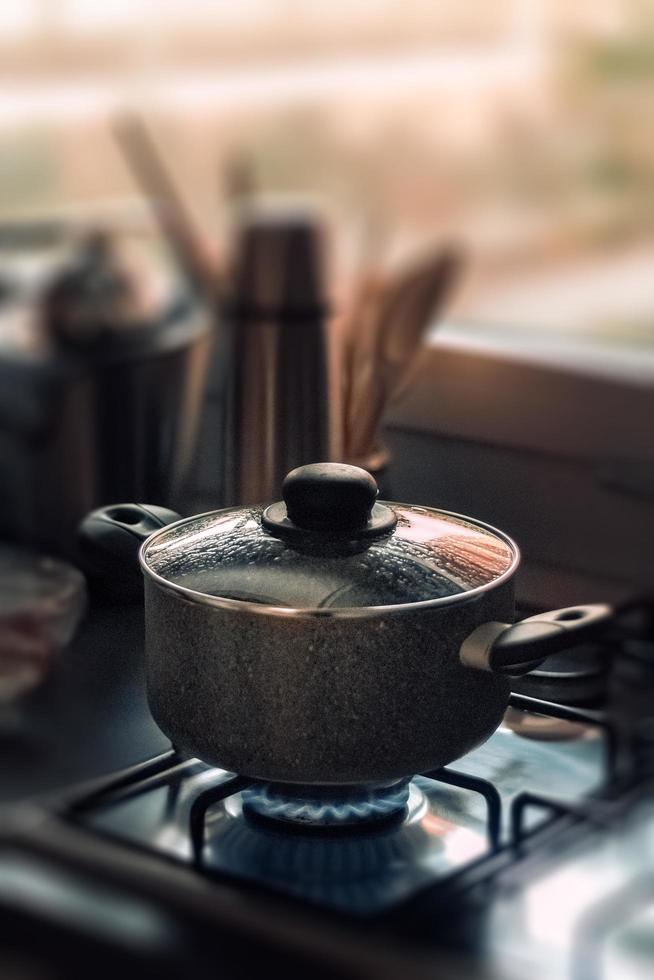 batterie de cuisine en acier inoxydable photo