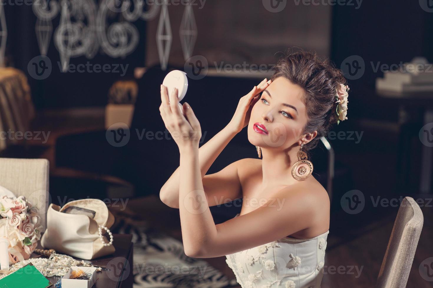 mariée avec miroir photo