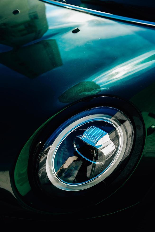 détail du phare de voiture photo