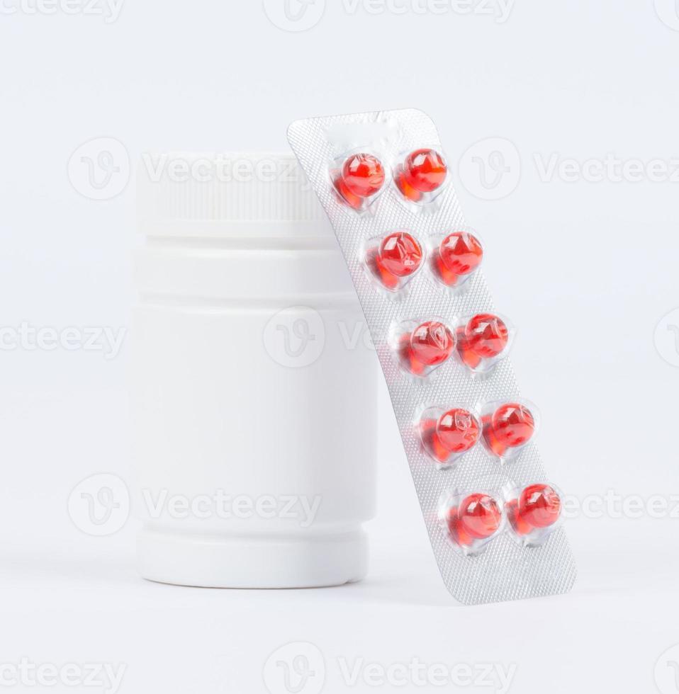 flacons de médicaments et de pilules sous blister photo