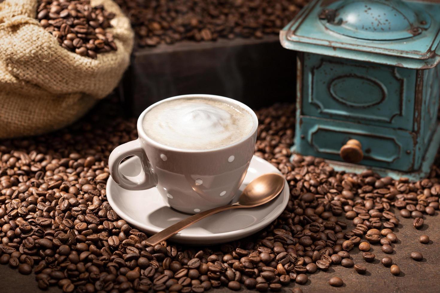 tasse à café cappuccino ou latte photo