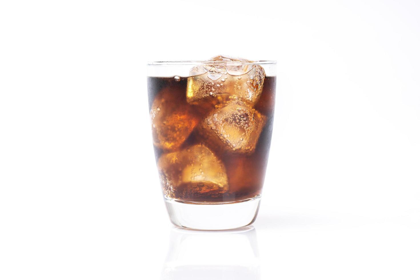 soda en verre clair photo