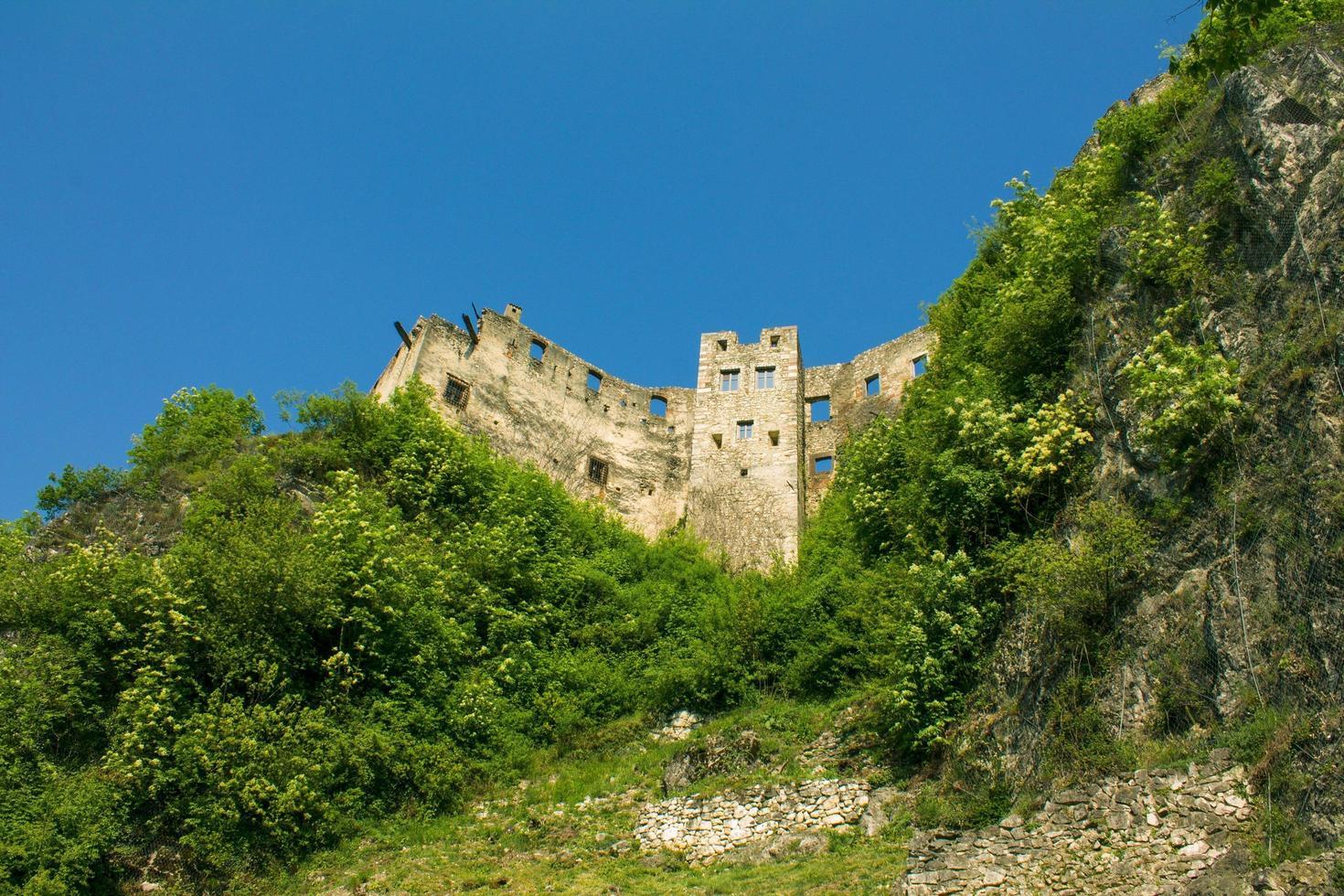 ruines du vieux château photo