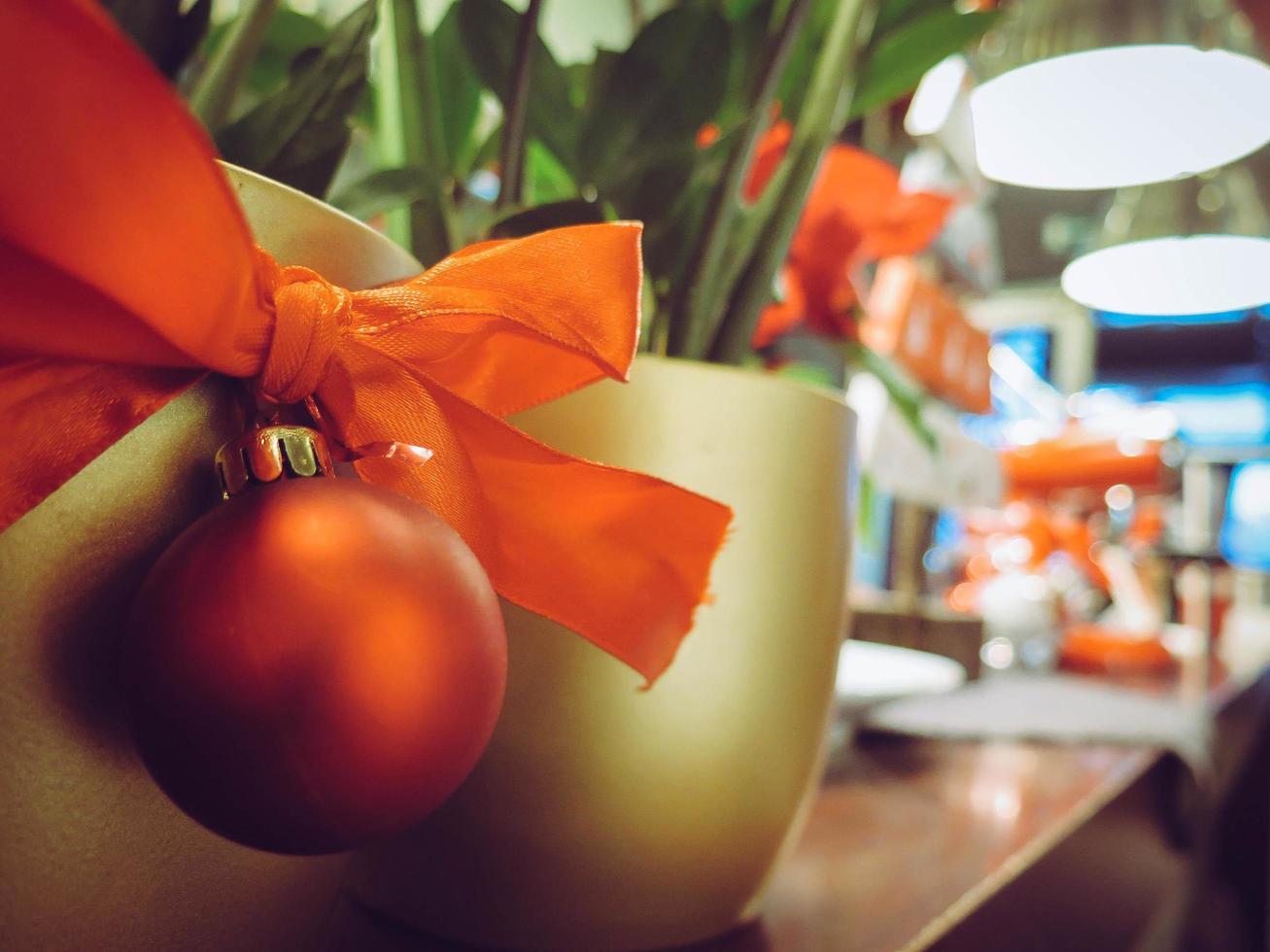 ornement de Noël sur pot photo