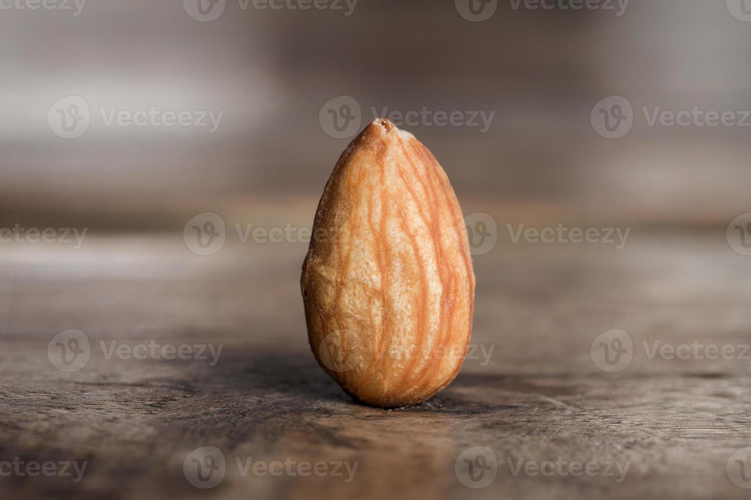 noix d'amande rôtie photo