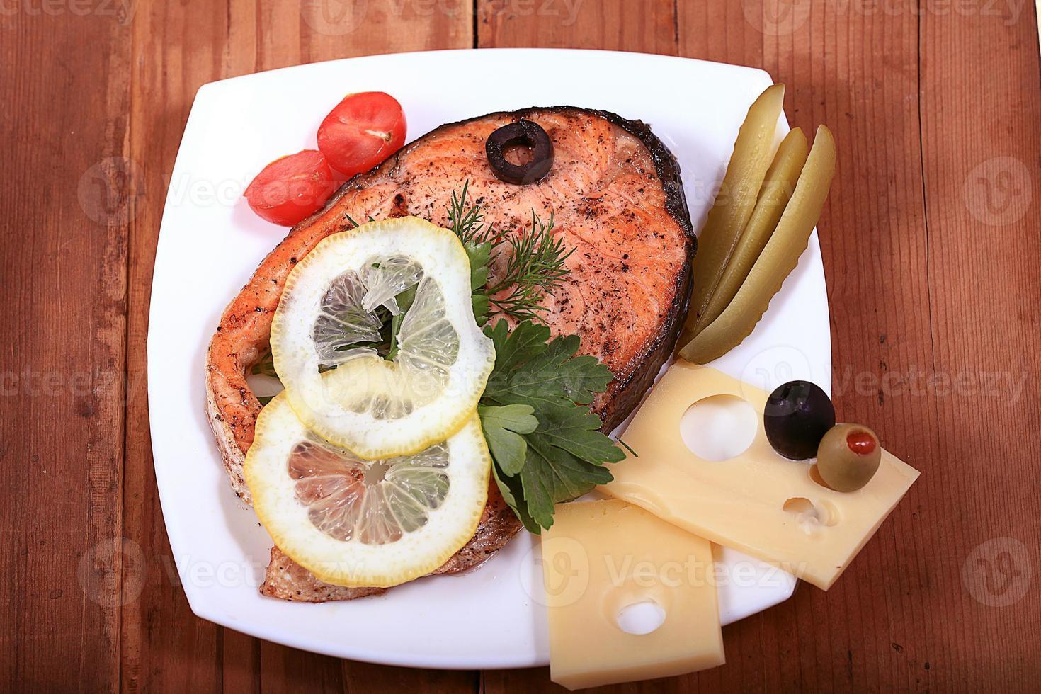 fond en bois de saumon grillé photo