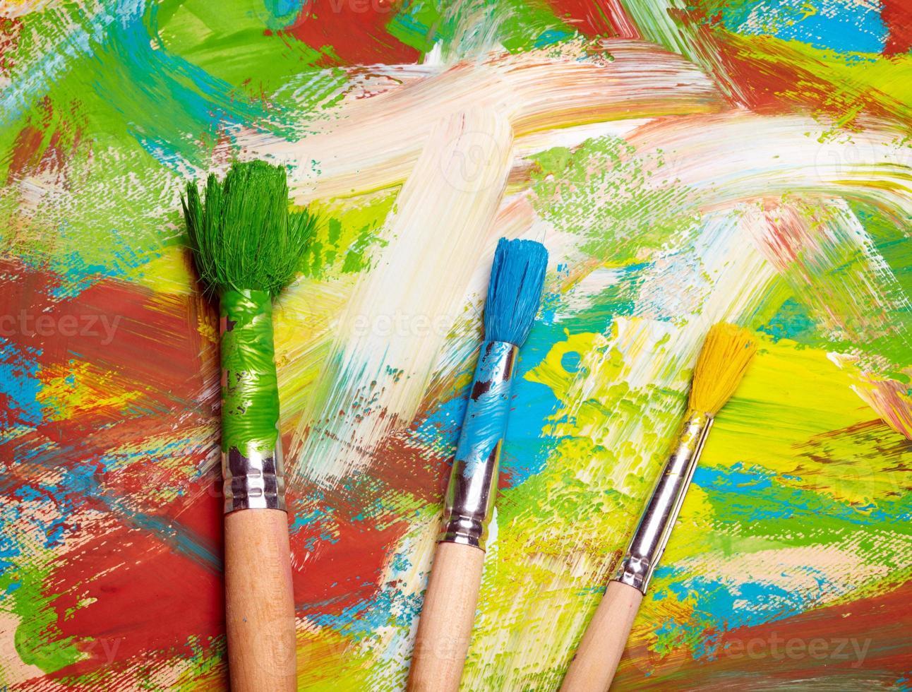 pinceaux sur fond de grange abstraite photo