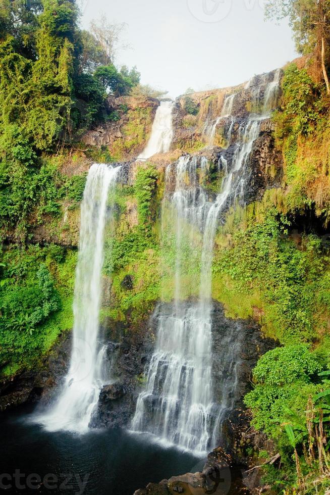 Cascade de Tad Yaung, Champasak Laos photo