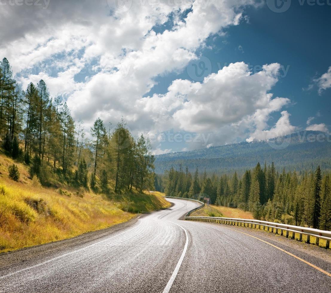 autoroute de montagne photo