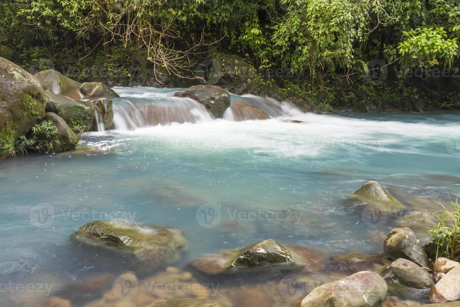 Rio Celeste eaux bleu clair photo