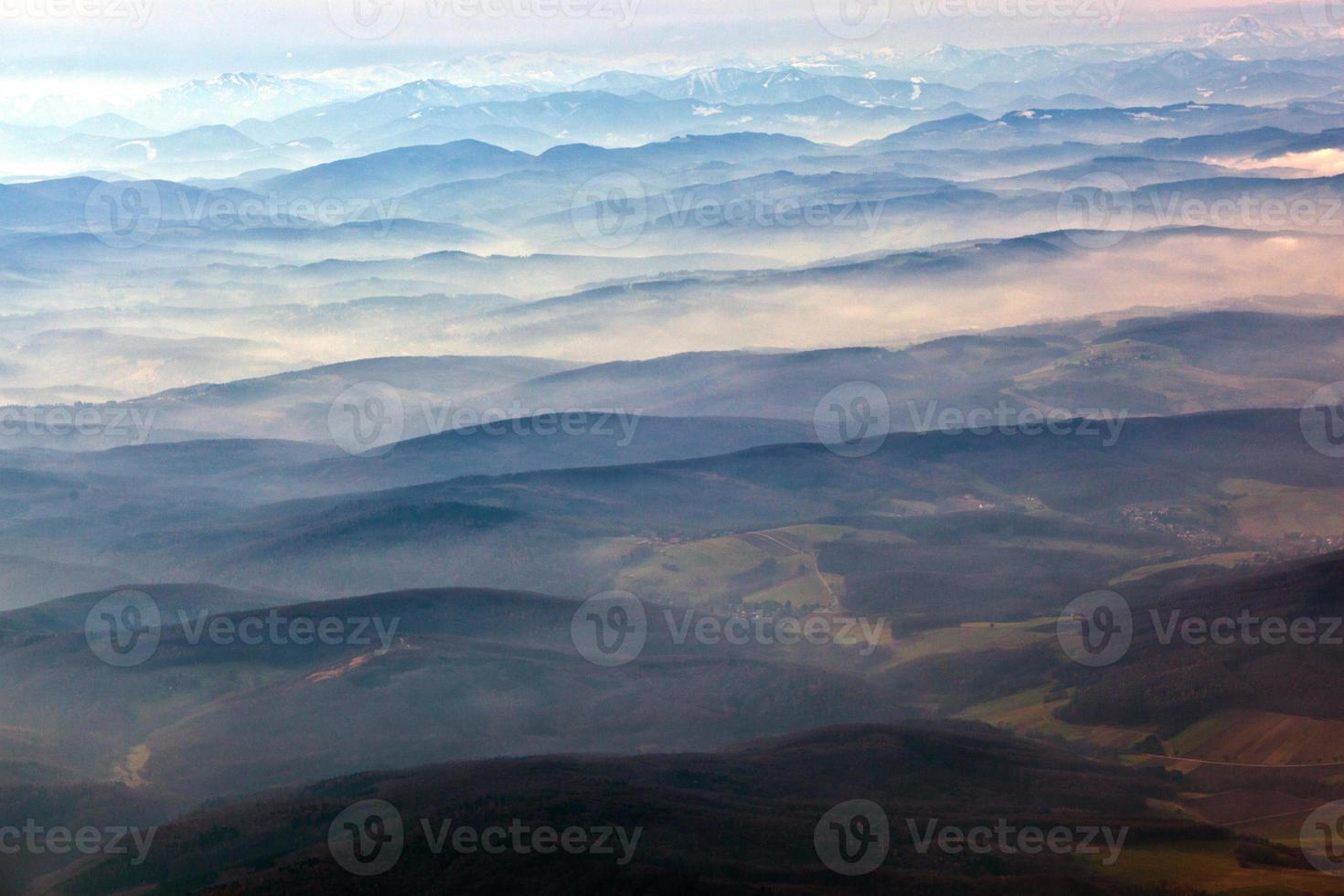 vue aérienne des alpes photo