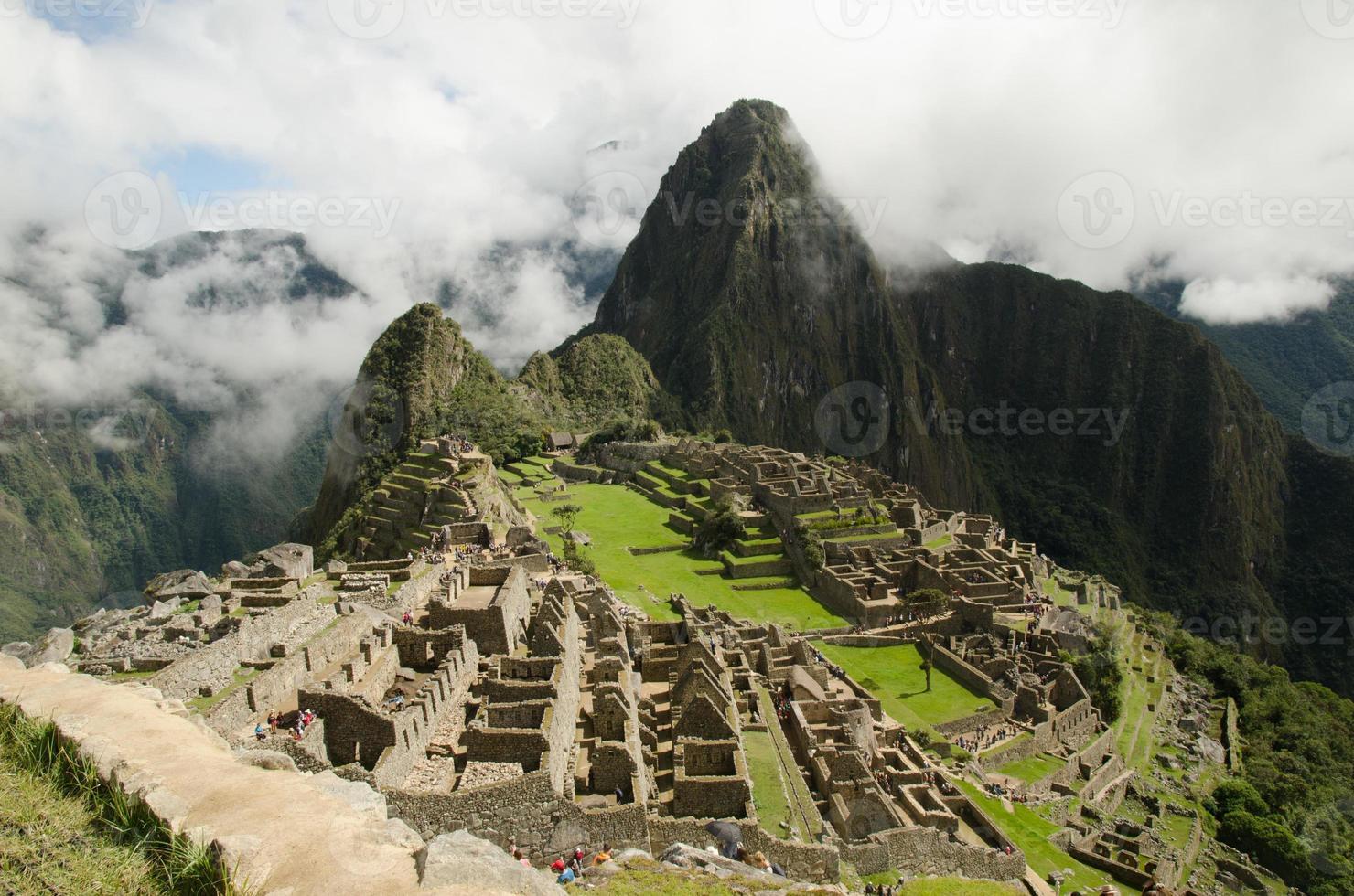 vista ciudad inca de machu picchu photo