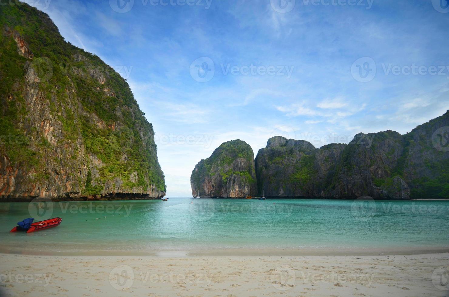 maya bay thailande photo