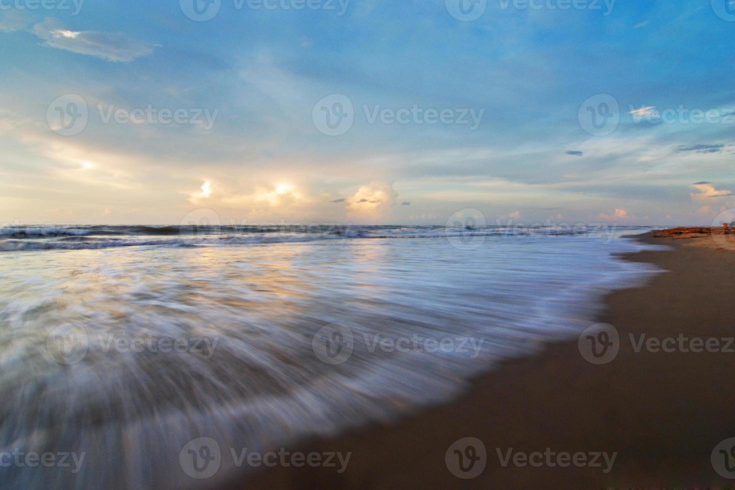 vagues déferlantes photo
